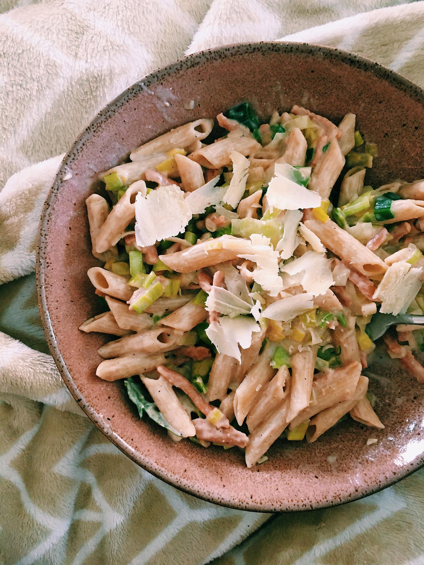 Vegan pasta met prei en spekjes in roomsaus / Vegan carbonara